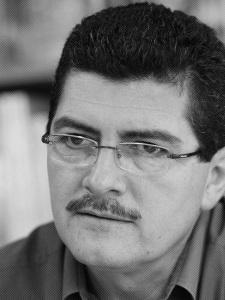 Alfredo Torres, dueño de La Tertulia/septiembre 2004/foto por Ricardo Alcaraz Díaz